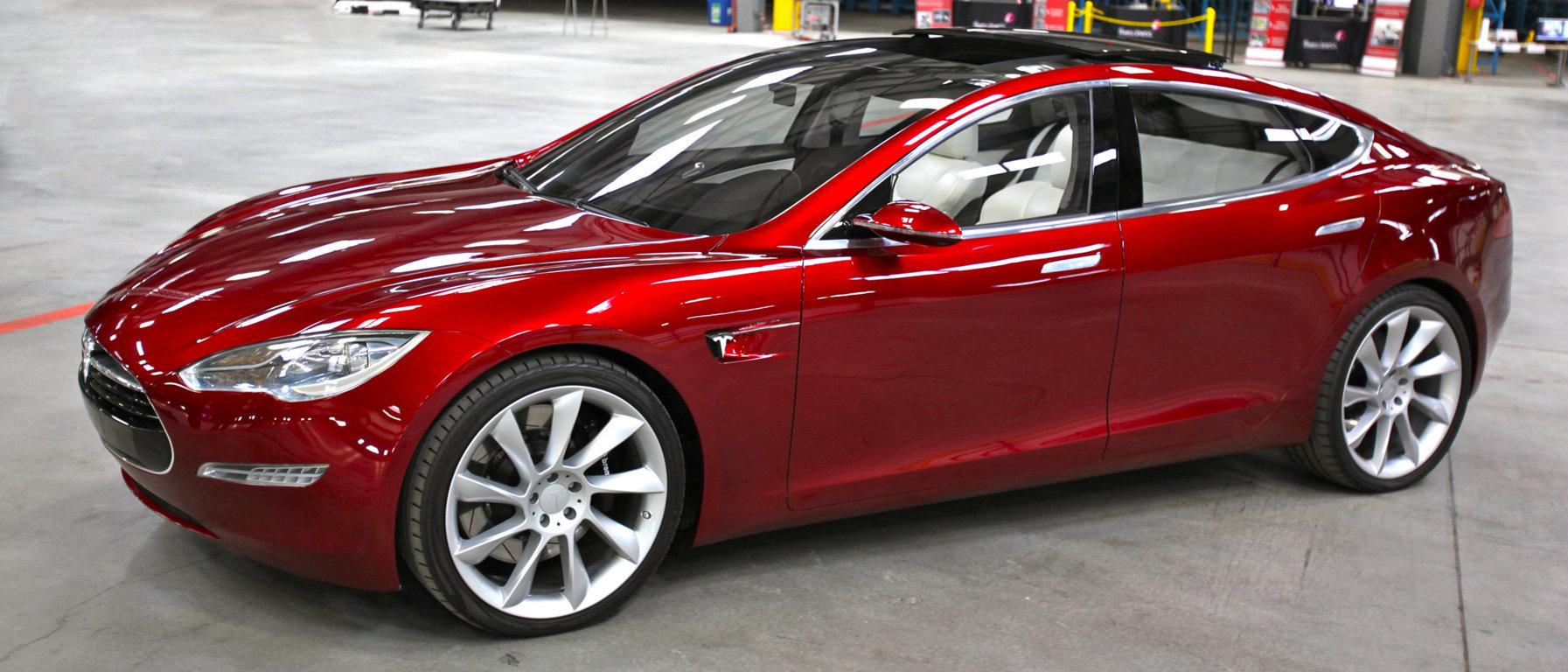 2016-Tesla-Model-3-1