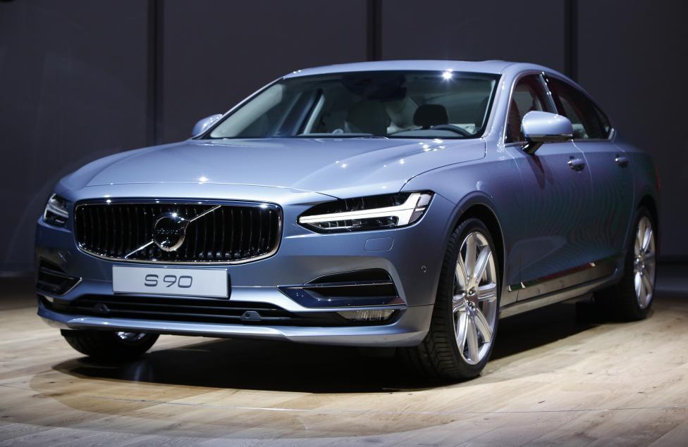 2016 г. Volvo S90 седан